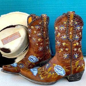 OLD GRINGO Like-NEW Rare Floral Cowboy Boots 9